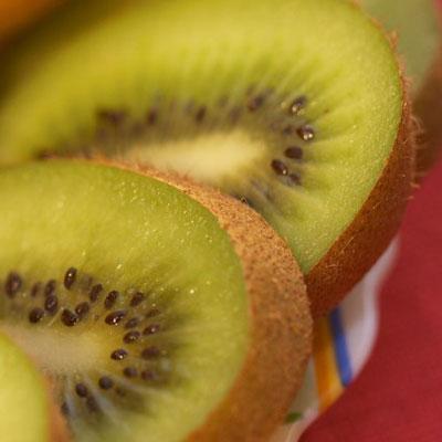 猕猴桃的正确吃法 - 西峡县华实果业有限公司